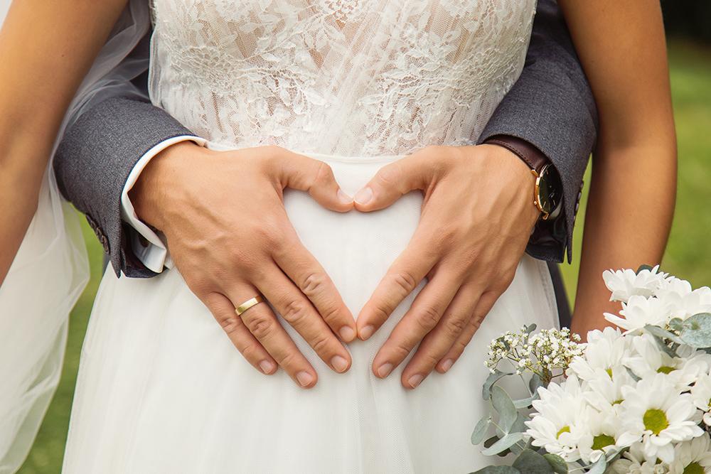 Braut Baby im Bauch Bildgefühle